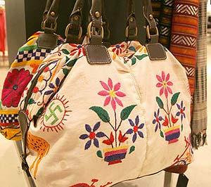 El polémico bolso retirado por Zara