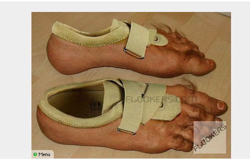 """La nueva moda en zapatos, enseñar los """"pies"""""""