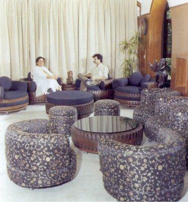 Esculturas hechas con tiras de neumáticos