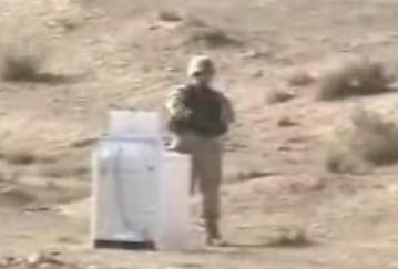 Explosión de una granada de mano dentro de una lavadora