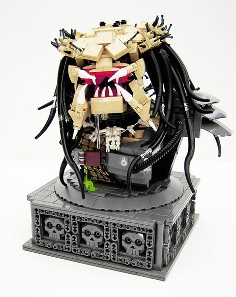 Un Predator hecho con piezas de Lego