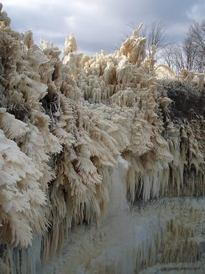 Fotografías del después de una tormenta de invierno en Ontika (Estonia)