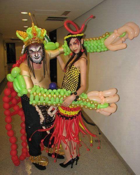 Fotografías de vestidos hechos con globos