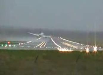 A320 a punto de estrellarse al intentar aterrizar