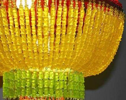 Esculturas hechas con golosinas de ositos