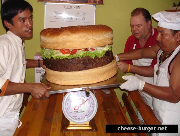 La hamburguesa con queso más grande del mundo parte 2