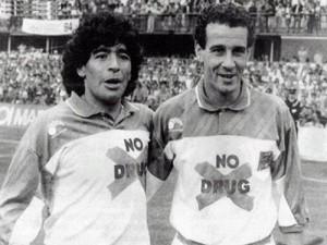 Partido de fútbol contra la drogadicción