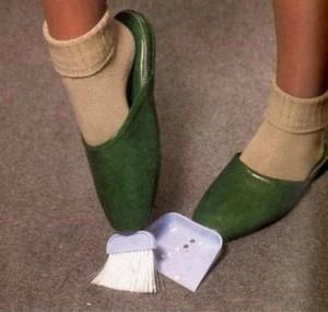 Escoba y recogedor Zapatillas