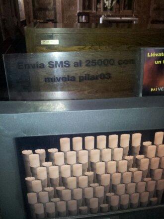 Mensaje SMS para encender una vela en la catedral de Santiago de Compostela