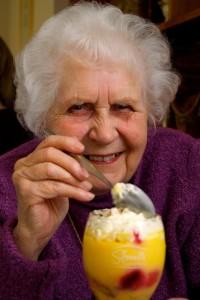 Una abuela con muchos pantalones, a nadie se le ocurriría robarla