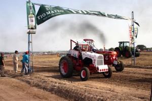 Tractores accidentados la nueva modalidad de competencias