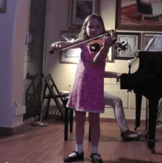 Niña de 7 años es conocida como la nueva Mozart