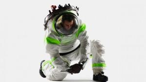 Los nuevos uniformes de la NASA serán de película