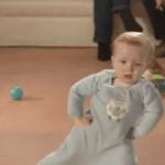 Los primeros pasos de un bebé