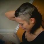 Increíble caso de una mujer que se arranca el cabello