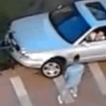 Un coche atrapado, macarras y chonis mala combinación