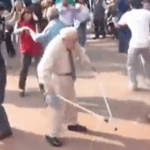 Subión de una persona mayor bailando