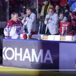 Putin juega hockey sobre hielo y anota ocho puntos